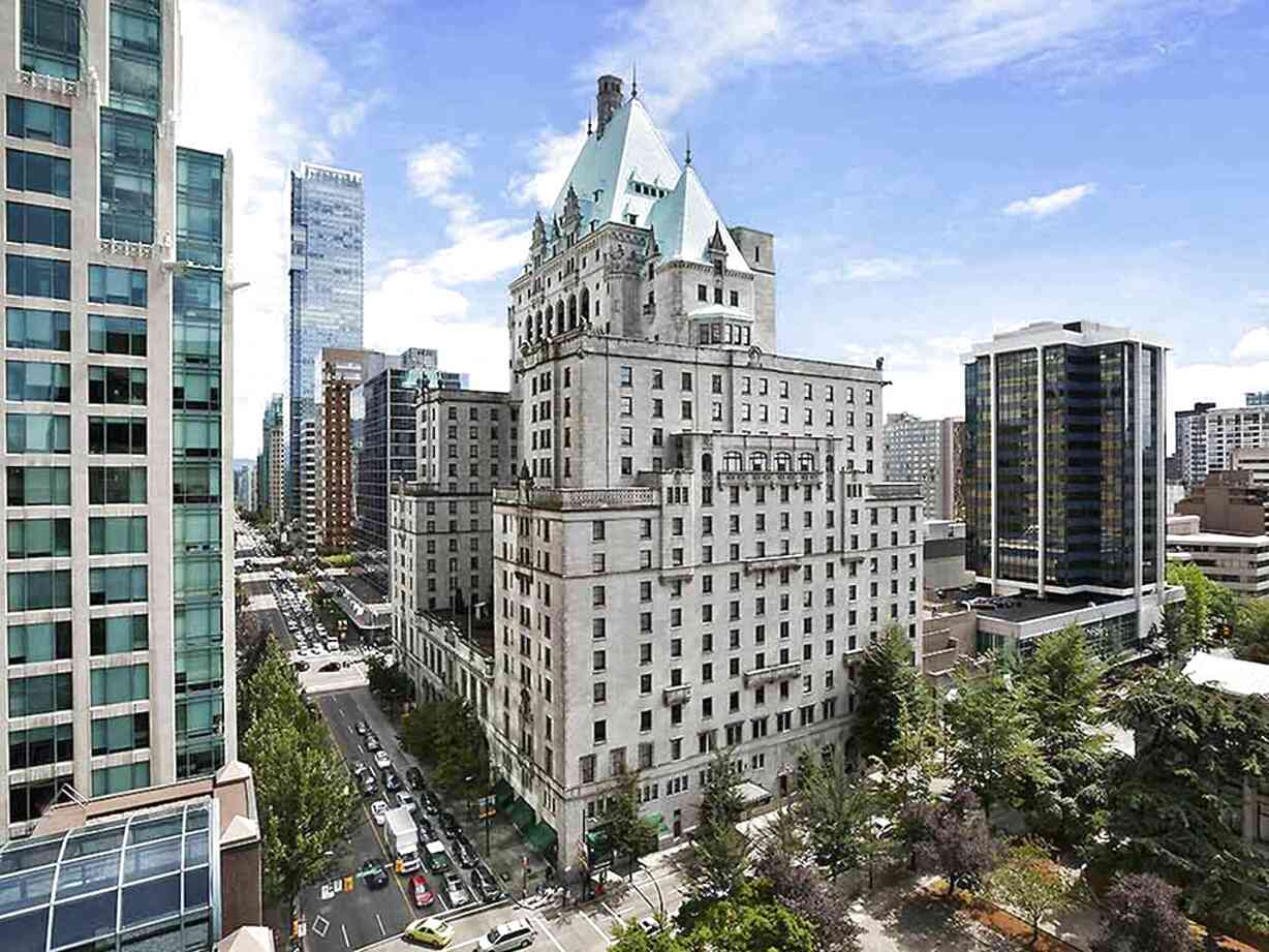 vancouver hotels for sale