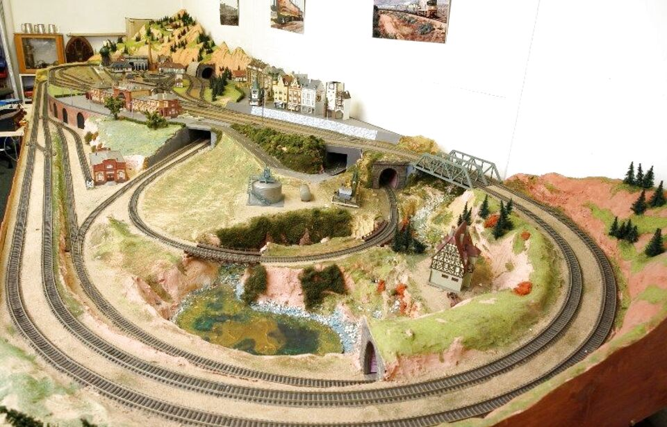 ho scale train layouts for sale